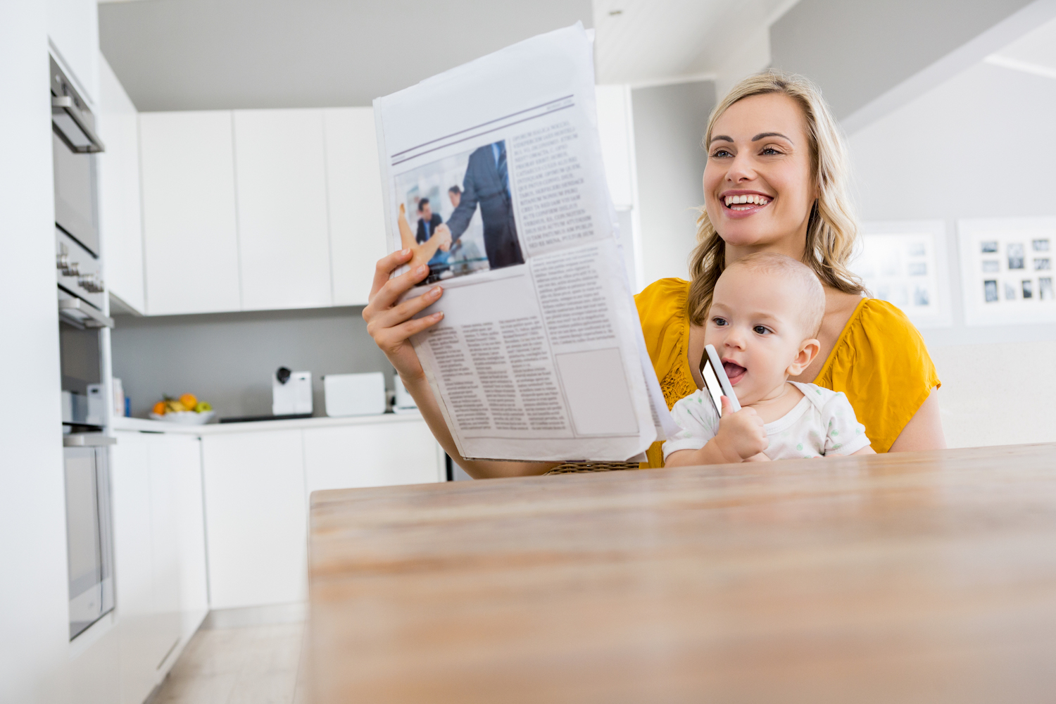 Create a newspaper as a great baby shower invitation - Happiedays